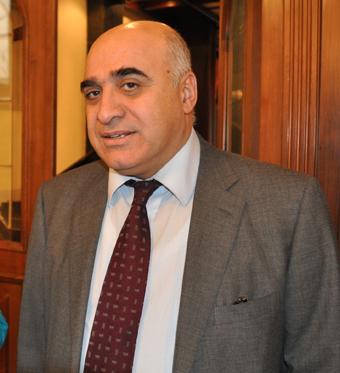 Հայաստանի արդյունաբերողների և գործարարների միության նախագահ Արսեն Ղազարյանի ուղերձը Հանրապետության տոնի առթիվ