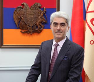 Поздравление Валерию Межлумяну