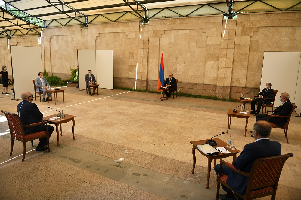 President Armen Sarkissian met with a group of entrepreneurs: labor market and wellbeing of our every citizen are very important